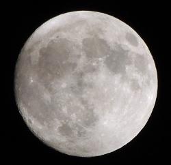 石垣島の月