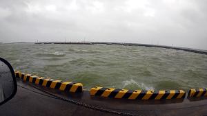 台風通過中